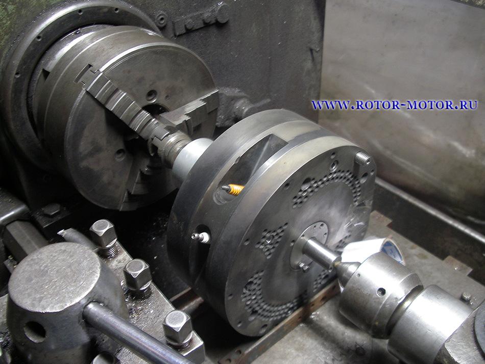 Двигатель Ванкеля на холодной обкатке.